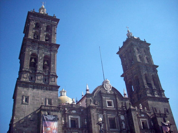 Beautiful cathedral in Puebla's centro