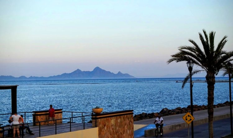 Mountains and Malecon